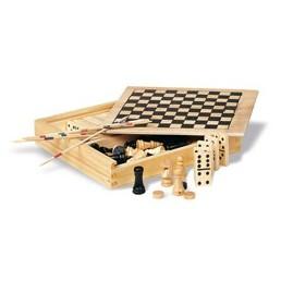 4 žaidimai medinėje dėžutėje